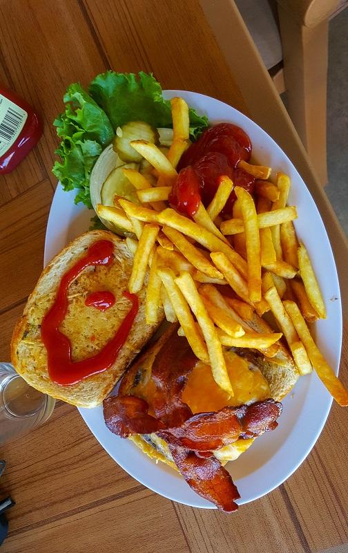 20150428_112329_Paradise Burger