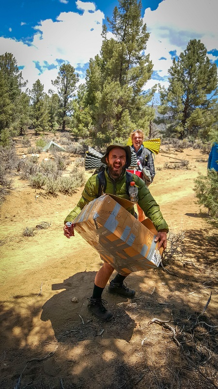 20150604_122023_Hiker with huge box at KM